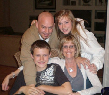 Eric and Cindy Sandras and kids